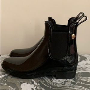 Michael Kors short rain boots